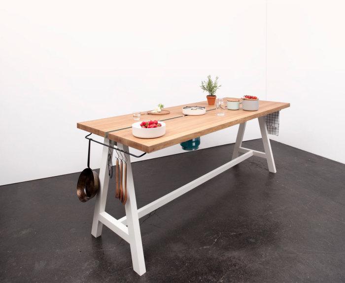 Новая модель стола-трансформера от Moritz Putzier.
