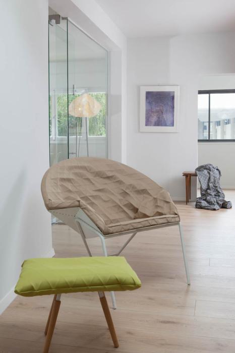 """Стильный комплект мягкой мебели от студии """"Studio Mikabarr"""" и дизайн-студии """"Producks""""."""
