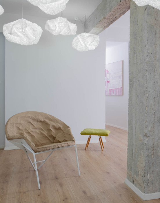 """Необычный стул от студии """"Studio Mikabarr"""" и дизайн-студии """"Producks""""."""