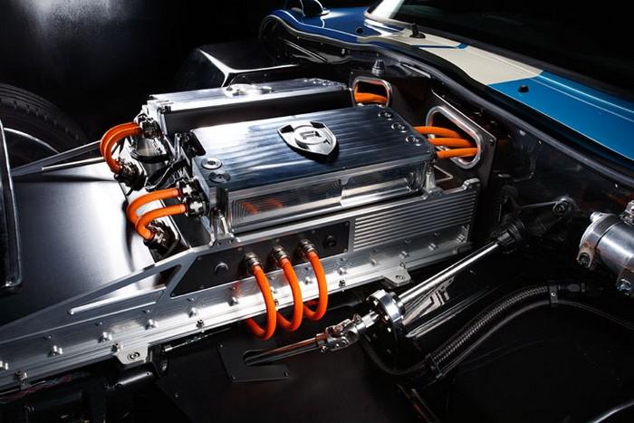 Renovo Coupe – спортивный электромобиль в стиле ретро