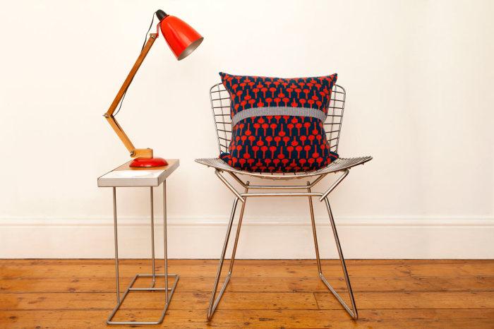 Веселые подушки для интерьера от английской дизайн-студии.