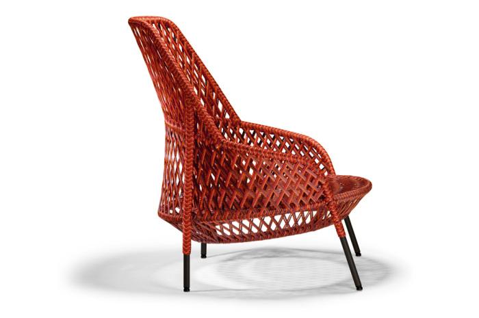 Кресло из сплетенных между собой текстильных нитей от дизайнера Стивена Баркса (Stephen Burks).