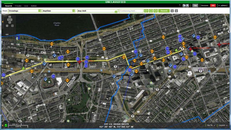 На карте отражаются все задействованные в спецоперации подразделения, начиная с ФБР и кончая пожарной службой.