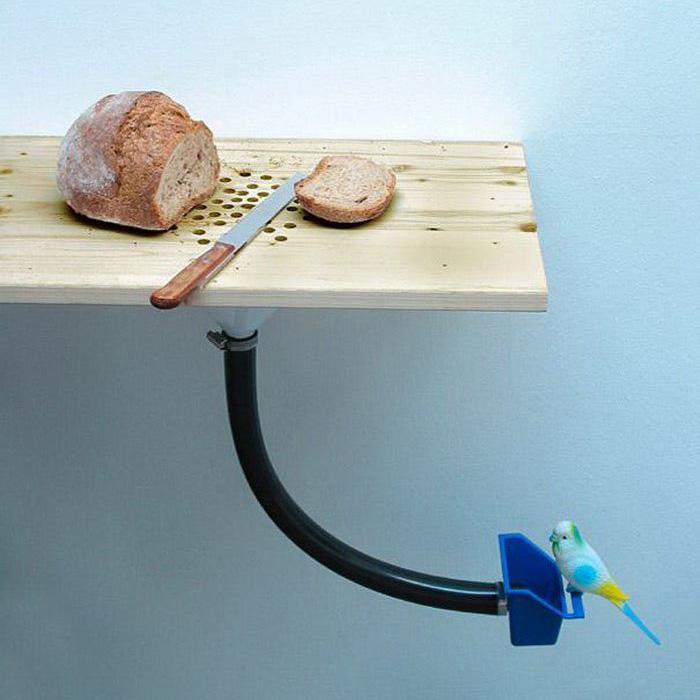Способ утилизации хлебных крошек.