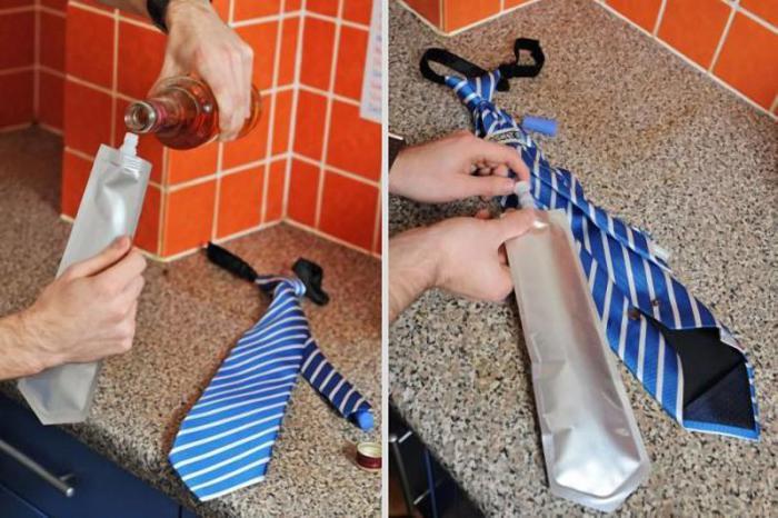 Фляга, которая прячется в галстук.