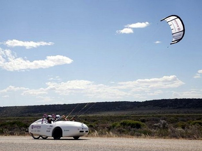 Wind Explorer – автомобиль с летучим парусом
