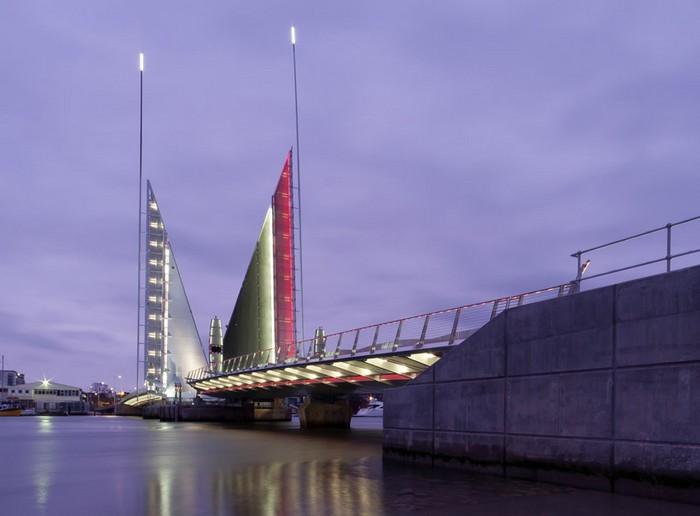 Twin Sails Bridge – парусный мост в Англии