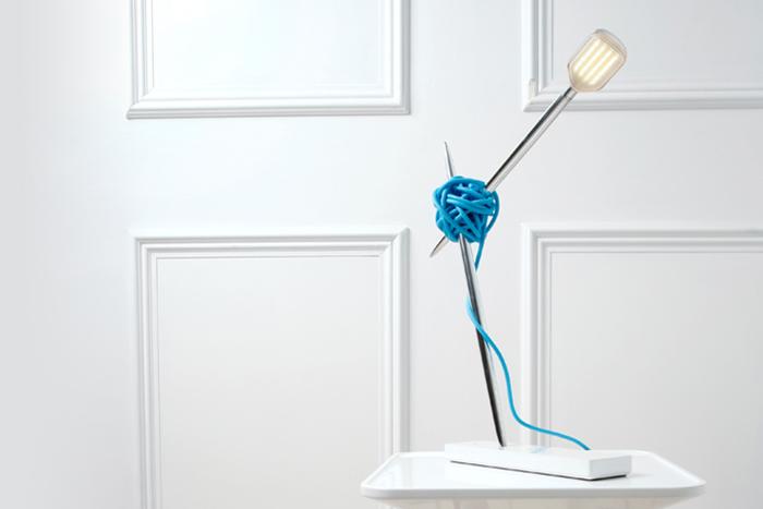 Оригинальная настольная лампа.