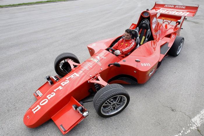 Самодельный болид для гонок Формула 1