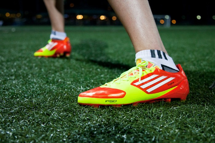 Adidas Adizero f50 – технологичные кроссовки для спортсменов и их тренеров