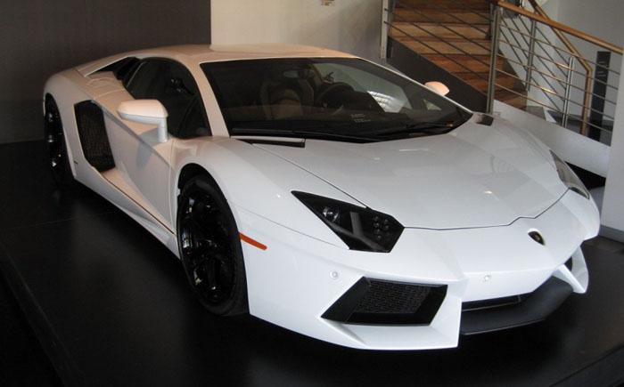 Lamborghini Aventador LP1600-4