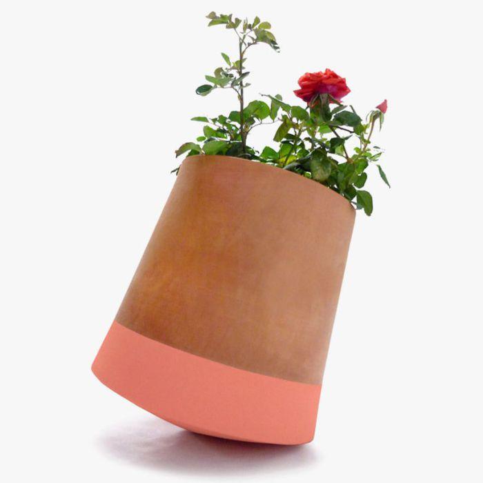 Необычный цветочный горшок от Studio BAG Disseny.