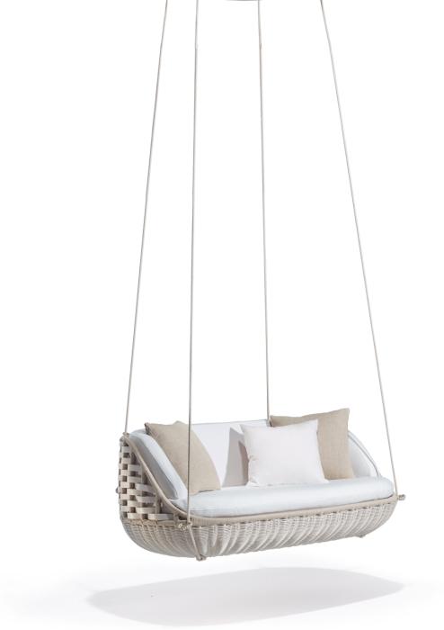 Подвесной диван для создания романтической обстановки.