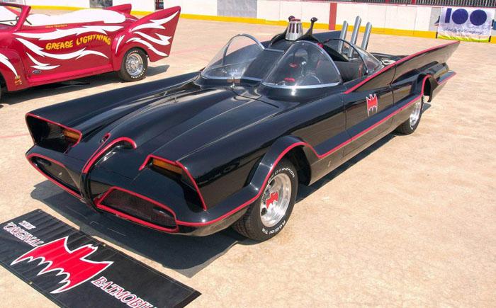 Оригинальный Бэтмобиль 1966 года выпуска