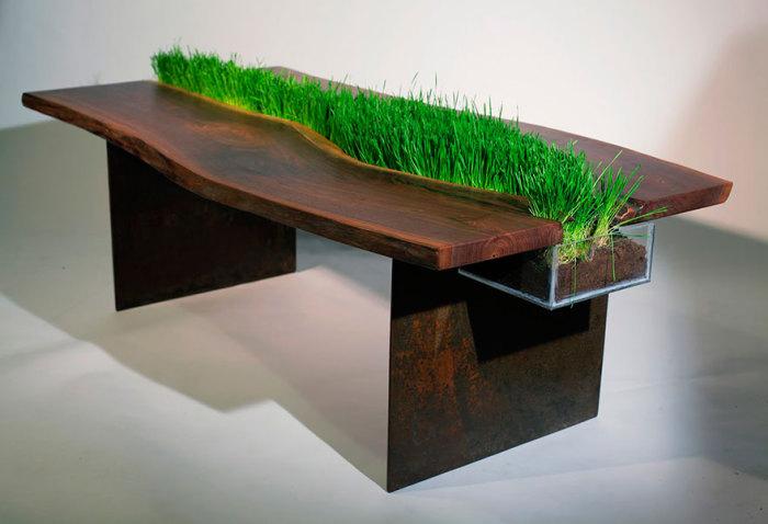 Необычный стол от Emily Wettstein.