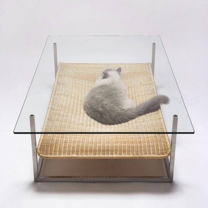 Забавный кофейный столик от Koichi Futatsumata.