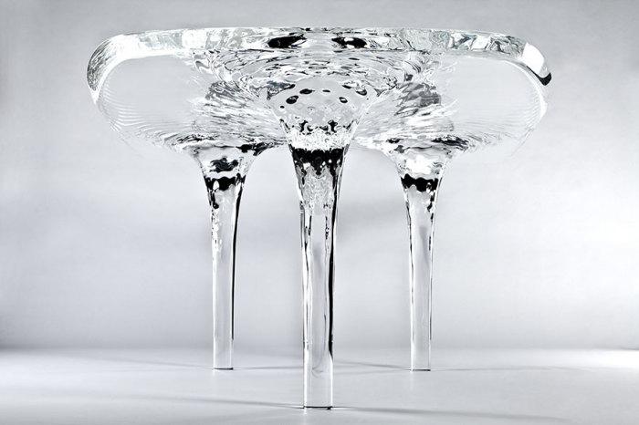 Журнальный столик от Zaha Hadid.