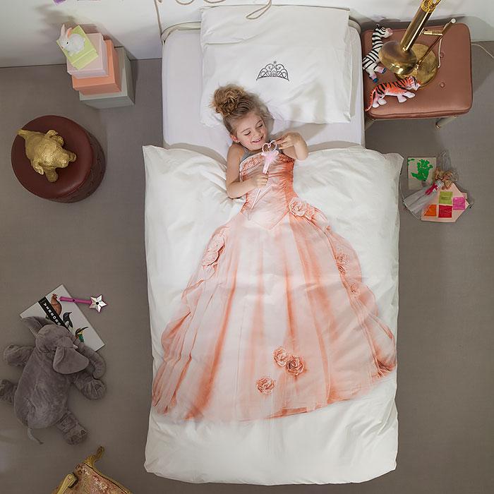 Любая девочка станет настоящей принцессой с таким покрывалом.