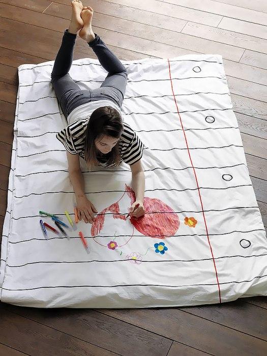 На таком постельном белье можно нарисовать любые каракули.