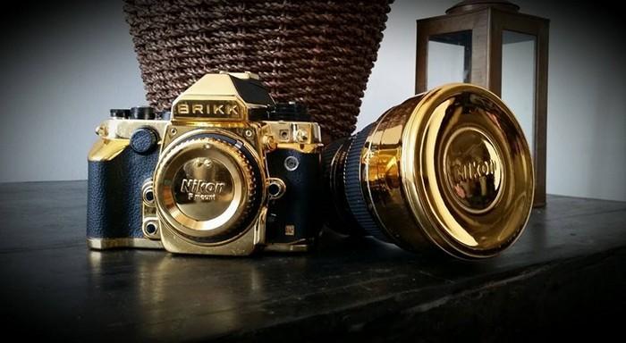 Lux Nikon DF – золотой фотоаппарат от Nikon