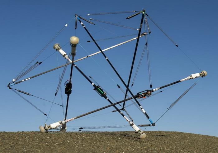 Неуязвимый робот Super Ball Bot