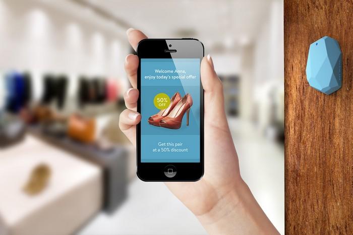 Estimote Stickers – наклейки для общения между продавцом и покупателем