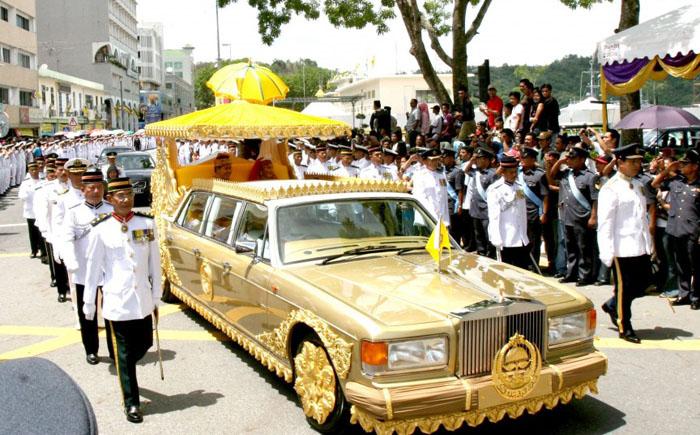 Лимузин султана Брунея Rolls Royce Silver Spur