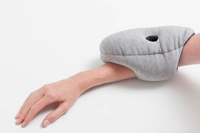 Удобная подушка для офиса.