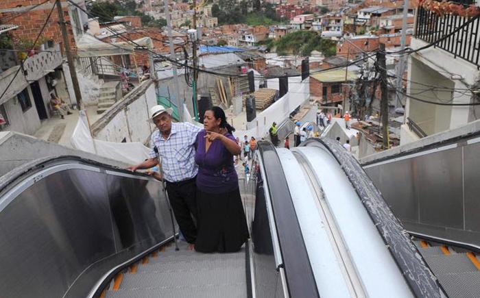 Эскалатор в бедном районе