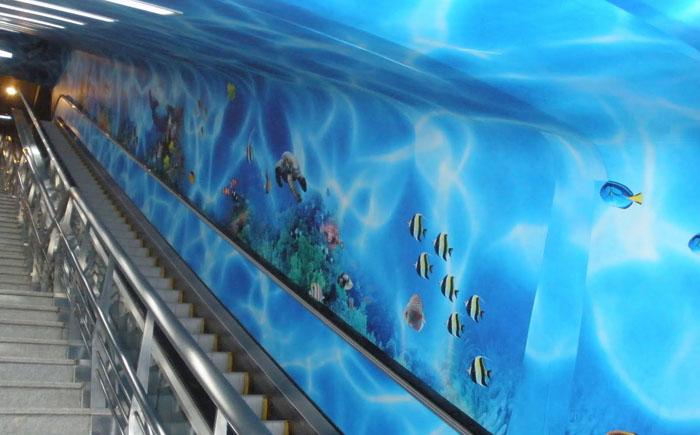 Первый подводный эскалатор
