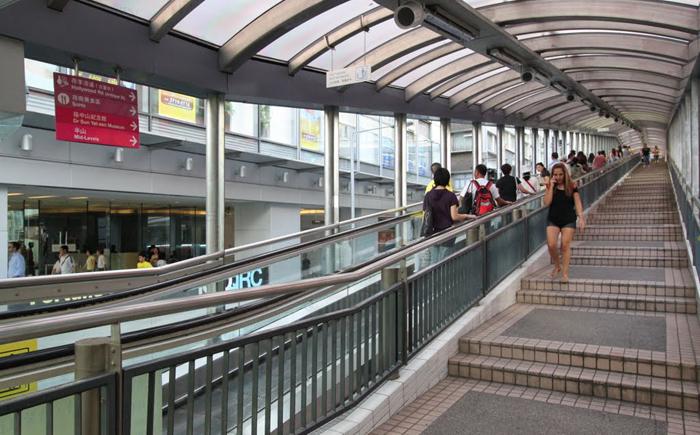 Самый длинный уличный эскалатор