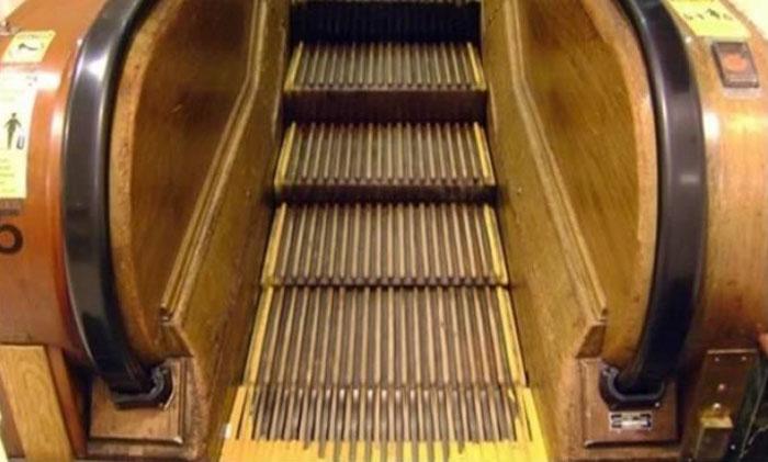Самый старый работающий эскалатор
