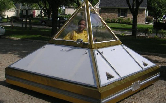 Автомобиль Пирамида