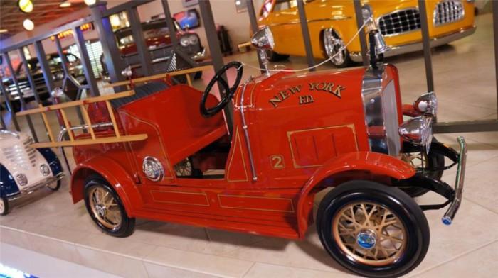 Пожарный автомбиль Gendron.
