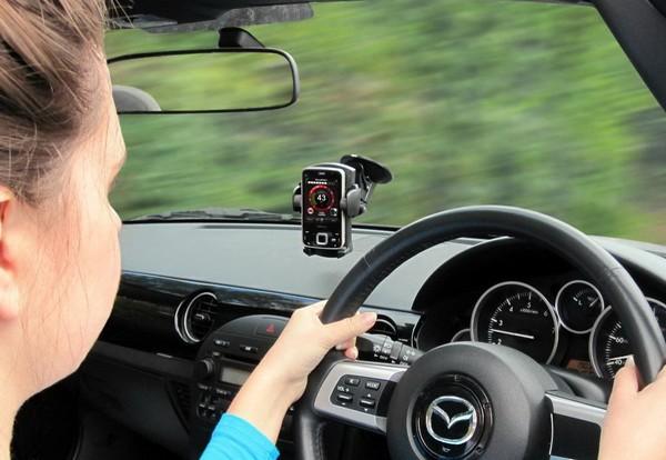 История интеграции автомобиля и мобильного телефона