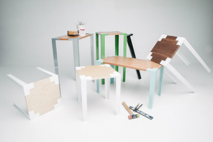 Стильные столы и стулья, для сборки которых не требуются инструменты.