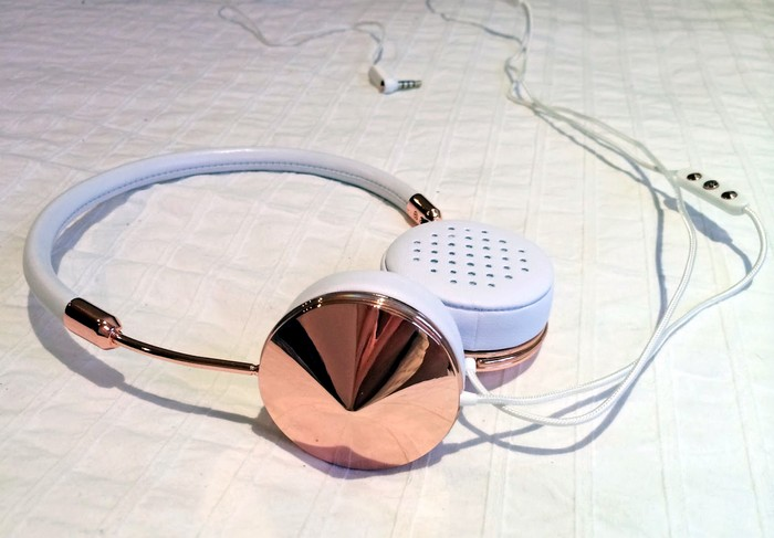 Gold Layla Headphones – золотые наушники