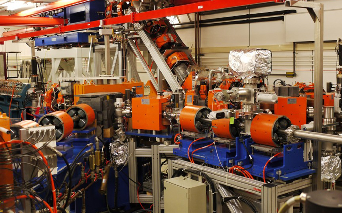 Лазерная система на основе свободных электронов