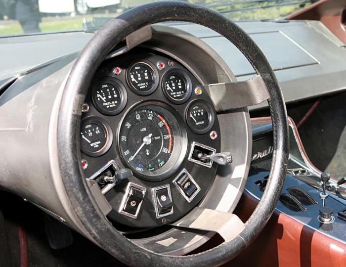 Панель Maserati Boomerang.